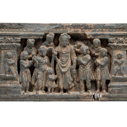 Frise du Gandhara représentant des épisodes de la vie du Bouddha Schiste Pakista…