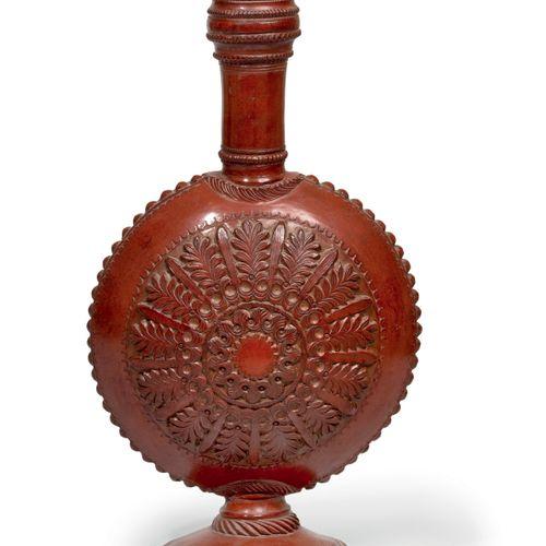 Bouteille Terre rouge dans le style de Tophané Egypte Ottomane, XIXe siècle Haut…