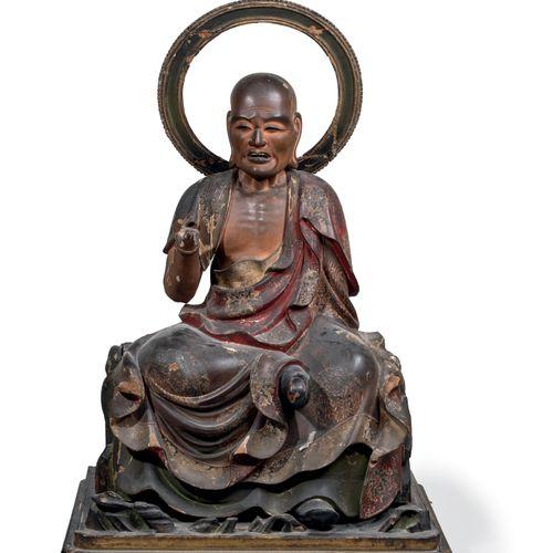 Japon, période Edo Grande sculpture d'un Rakan/ Arhat en bois laqué Composé de t…