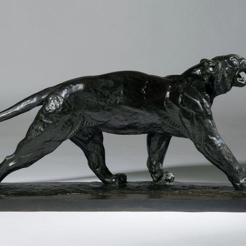 VAN RYSWYCK Thierry (1911 1958 Belge) Tigre grognant Bronze à patine verte, sign…