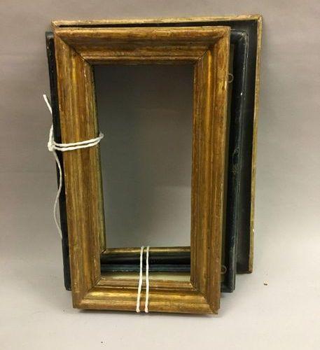 *Lot de trois cadres en bois mouluré, doré ou rechampi  Italie, XVIIIe siècle.