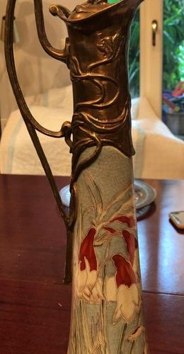 Art Nouveau style pourer 