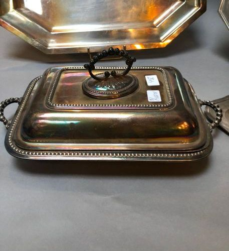 Lot silver plated metal: tray with cut sides, round dish with cut sides, a plate…