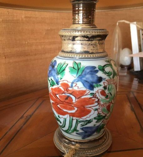 CHINA  Small vase mounted on silver in lamp  17cm  LOT 16 Sold as is
