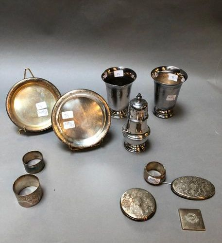 950°/°° silver set including three box elements and napkin ring, minster punch  …