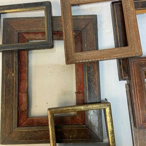 A set of 7 miniature frames in pitchpin and various decors, 19th C.  Various siz…