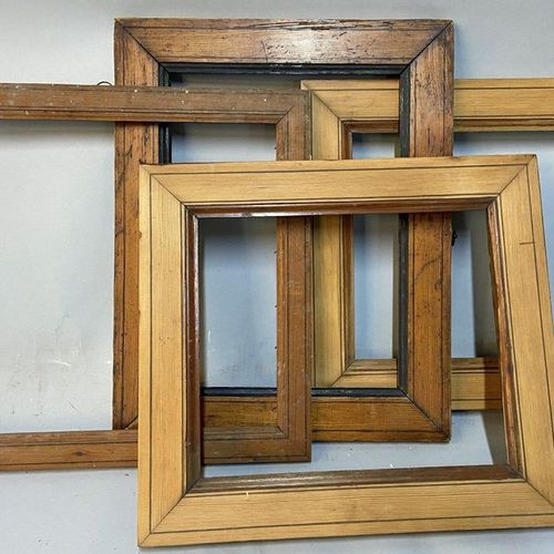 "Set of 4 ""pitchpin"" frames, 19th century  23 x 31 x 5 cm  29.5 x 33 x 3.5 cm  23…"