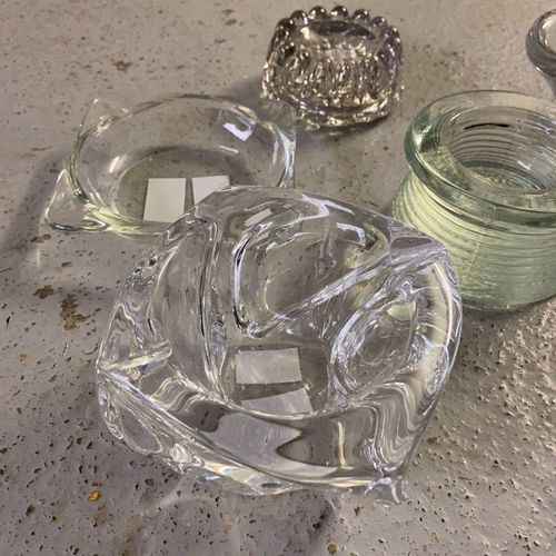 Set of 4 ashtrays and 2 glass holders.  One signed DAUM France Condeuseur Delas,…
