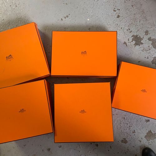 Pack of 5 orange boxes  (sold as is)
