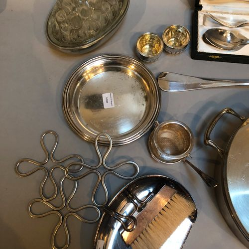 Set in silver plated metal including coasters, table shovel, ladle, coaster, pai…