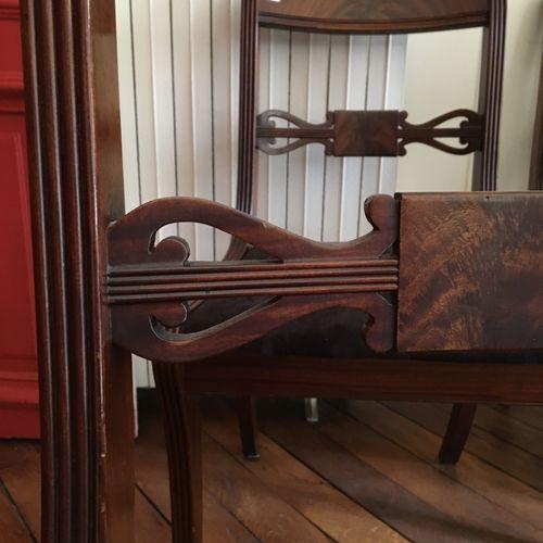 Quatre chaises anglaise  Hauteur : 83 cm  Vendu en l'état  LOT AU GARDE MEUBLE :…
