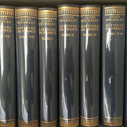 Lot de livres reliés et brochés LOT AU GARDE MEUBLE : CONDITION DE DELIVRANCE PA…