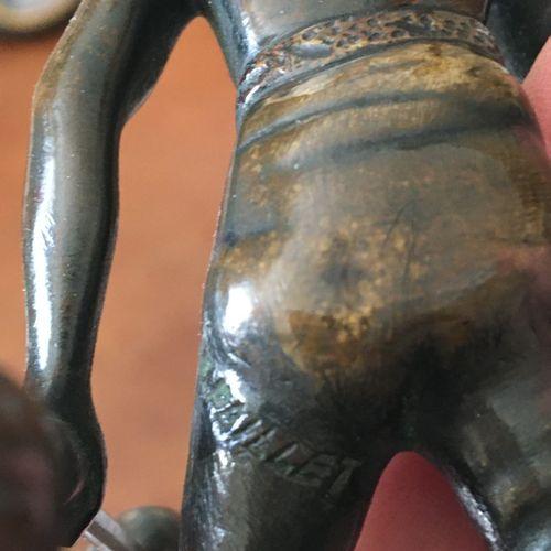 Petit groupe en bronze  Nubien