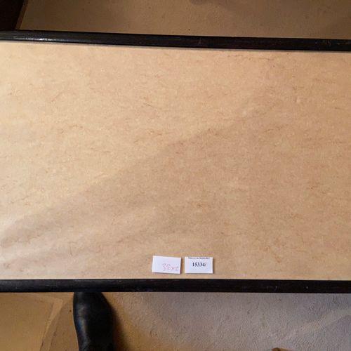 Petite desserte : 60 x 37 cm avec une hauteur de 59 cm  On y joint une table bas…