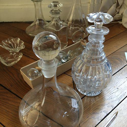 Lot de verrerie dont un vase LALIQUE  Vendu en l'état