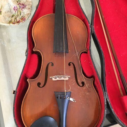 Deux violons  Accidents  Vendu en l'état