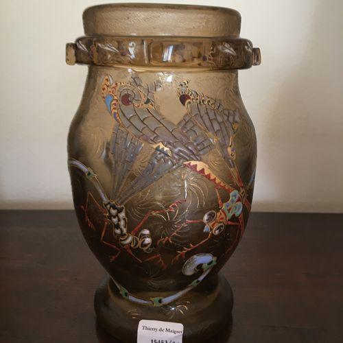 Emile Gallé Vase émaillé  Vers 1900 décor de libéllules Porte une signature à la…