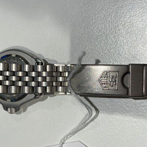 TAG HAEUER Professional 200 meters quartz  Montre d'enfant. Bracelet métal
