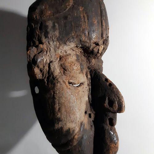 伊格博面具 尼日利亚,非洲。伊格博人是一个起源于今天的尼日利亚中南部和东南部的民族。在地理上,伊格博的家园被尼日尔河分为两个不平等的部分 东部(是两个部分中较大…