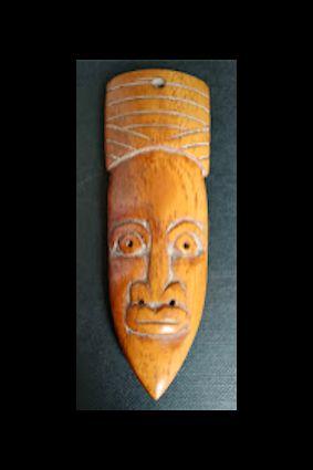 Masque Passport. Afrique occidentale. Os sculpté. Approx 6/9CM.