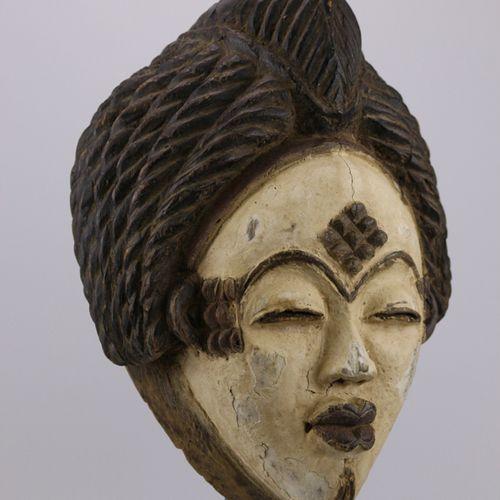 Masque Punu, Gabon Afrique. Un beau masque Punu (Gabon). H. 31,5cm
