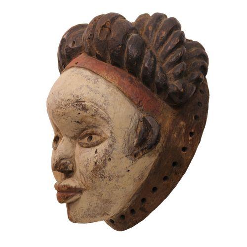 普努面具,非洲加蓬。重要的普努面具。美丽精致的头饰,非常好的宁静的表情,使这个面具成为留给高级政要的特殊作品。高33.5厘米 (非洲,非洲艺术,文明和种族群体)…