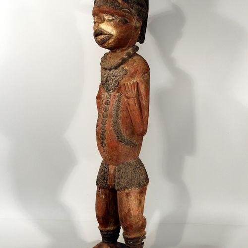 Afrique. Nigéria. Importante et rare statue Kuyu. Les statues Kuyu se caractéris…