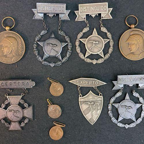 """Cuba Lot of ten: two patinated bronze """"Patria Honneur Devoir"""" medals showing Min…"""