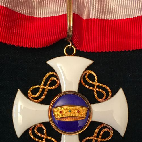 Italy Order of the Crown of Italy, founded in 1868, gold and enamel commander's …