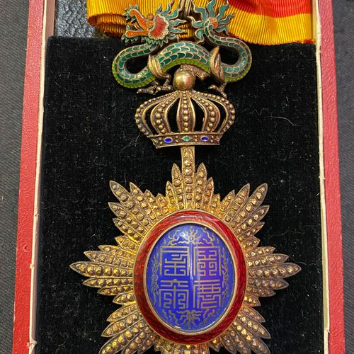 Annam Order of the Dragon, founded in 1884, jewel of commander in vermeil chased…