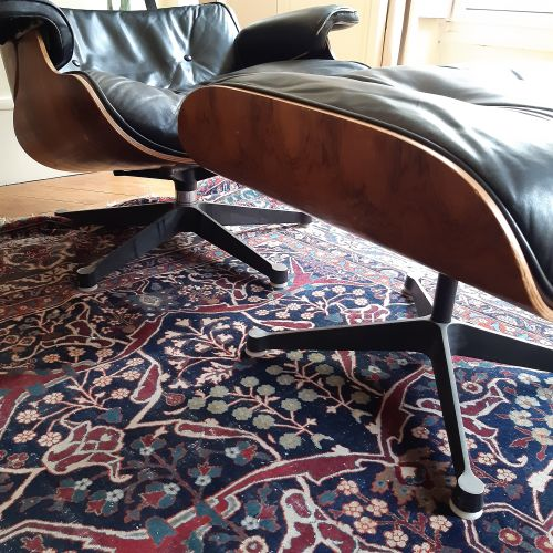 Charles (1907 1978) & Ray EAMES (1913 1988) Fauteuil «Lounge chair» et son repos…