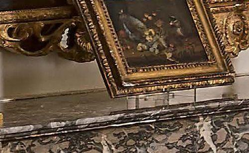 Paire de petits flambeaux en bronze doré à décor rocaille. Modèle de Jules Aurèl…