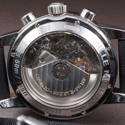 CHOPARD. Chronographe MILLE MIGLIA–GMT Réf. 8992, des années 2010. Boîtier 42.5 …