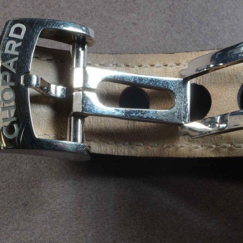 CHOPARD. Modèle MILLE MIGLIA GMT. Réf. 8992. Boîtier rond acier 42 mm, lunette f…