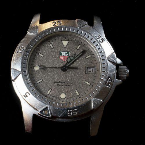TAG HEUER. Boîtier de montre dame en acier 35 mm, mouvement à quartz (fonctionne…