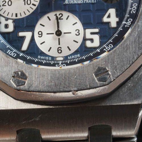AUDEMARS PIGUET. Chronographe homme, modèle ROYAL OAK OFFSHORE, réf. 25721ST.OO.…
