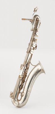 Buyst P. Circa 1935 1940. Instrument de musique: Saxophone baryton.  De marque P…