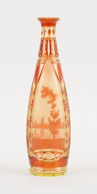 VAL SAINT LAMBERT. Verrerie: Vase en cristal doublé urane et orange taillé et dé…