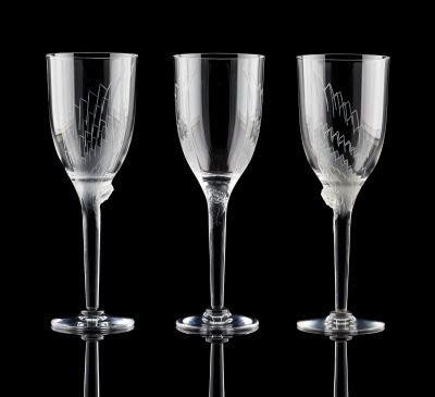 Marc Lalique (École française). Verrerie: Lot se composant de neuf flûtes à cham…