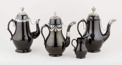 Namur 18e. Ceramics: Set consisting of three coffee pots in stoneware and silver…
