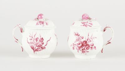 Tournai 18e. Ceramics: Set consisting of two creamers covered in soft paste porc…