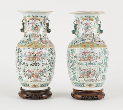 Travail cantonais circa 1900. Ceramics: Set consisting of two polychrome porcela…