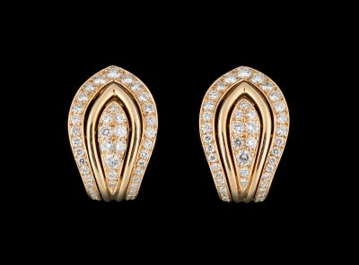 CARTIER. Jewellery: Pair of yellow gold earrings with brilliant cut diamonds for…