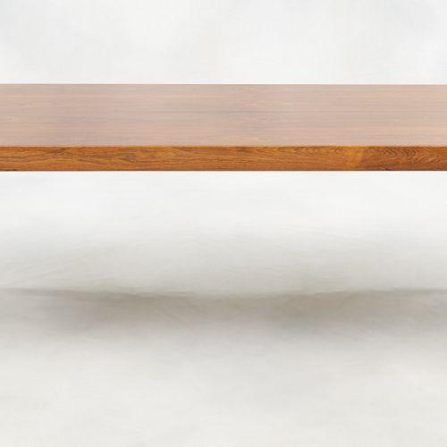 Design Severin HANSEN (École danoise) Meuble: Table basse en teck.  Dim.: H.: 50…