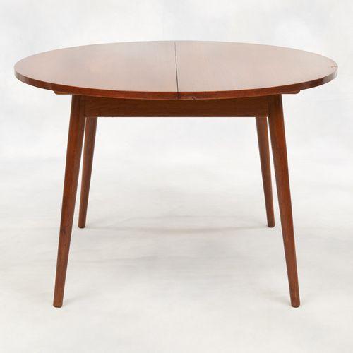 Design scandinave des années '70. Meuble: Table de salle à manger en teck compre…