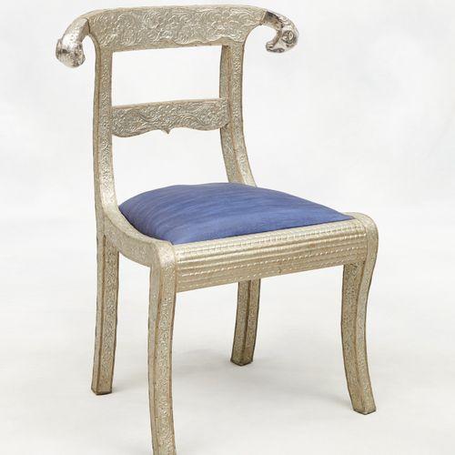 Travail anglo indien milieu 20e. Meubles: Suite de six chaises en bois de mangui…