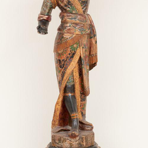 Travail vénitien 19e. Sculpture en bois polychrome: Maure supportant une coupe p…