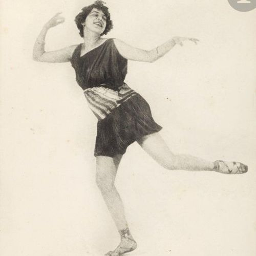 Frantisek Drtikol (1883 1961) La danseuse Ervina Kupferová en nymphe, 1922. Épre…