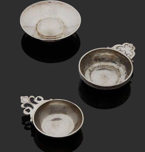 BORDEAUX 1752 1753 A wine cup in silver Master silversmith: David HERBERT
