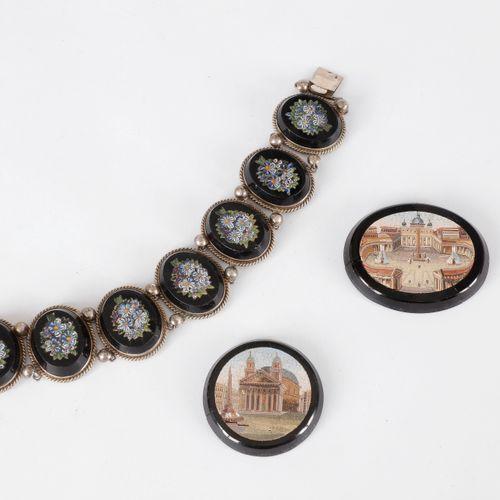 Bracelet en argent articulé de motifs ovales sertis de micromosaïques polychrome…